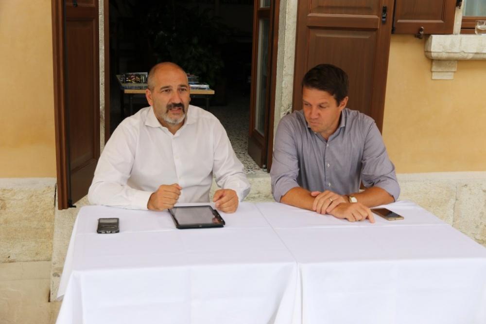 Il Presidente del GS AUSUGUM Willy Cia e il Vice Sindaco di Borgo Valsugana, Luca Bettega
