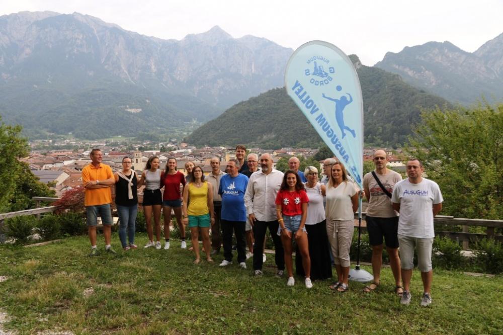 Il gruppo del Direttivo e dei volontari del GS Ausugum